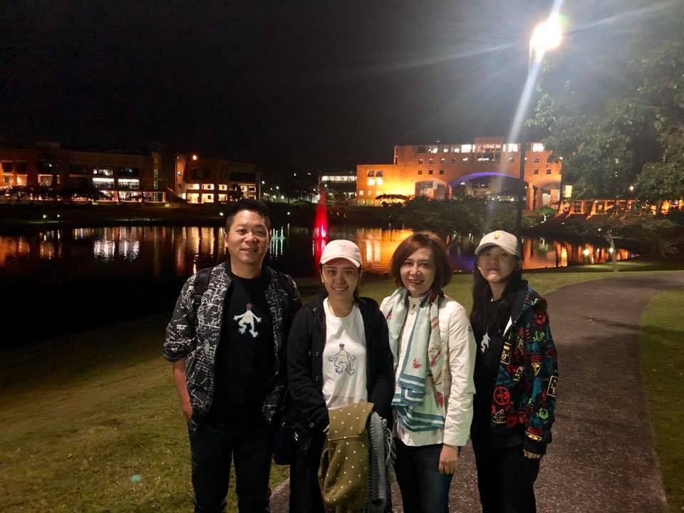卜學亮暑假帶全家人到澳洲玩。圖/摘自臉書