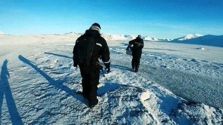 北極向來被視為人間的最後淨土,如今卻也難逃塑膠微粒的汙染。歐美研究團隊近來卻在極...