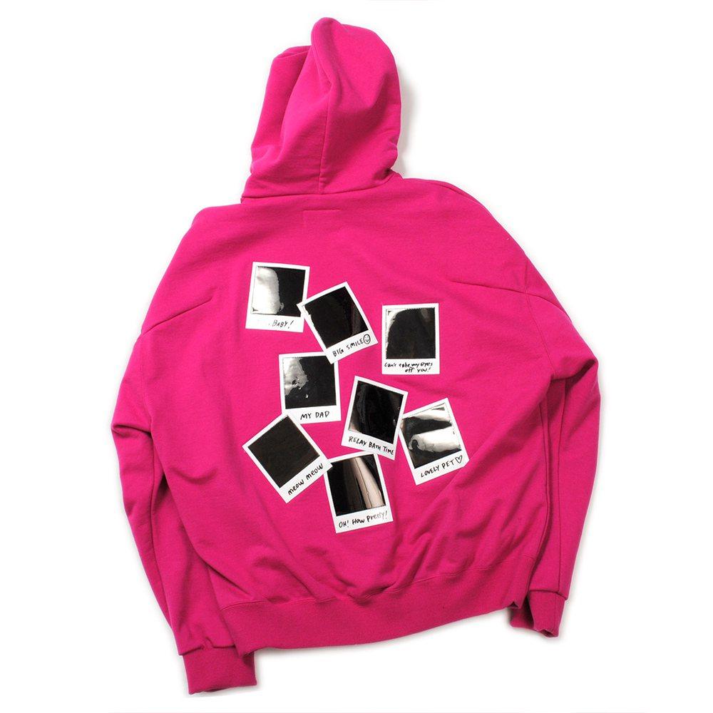 doublet粉色拍立得顯影連帽上衣,售價18,980元。圖/onefiftee...