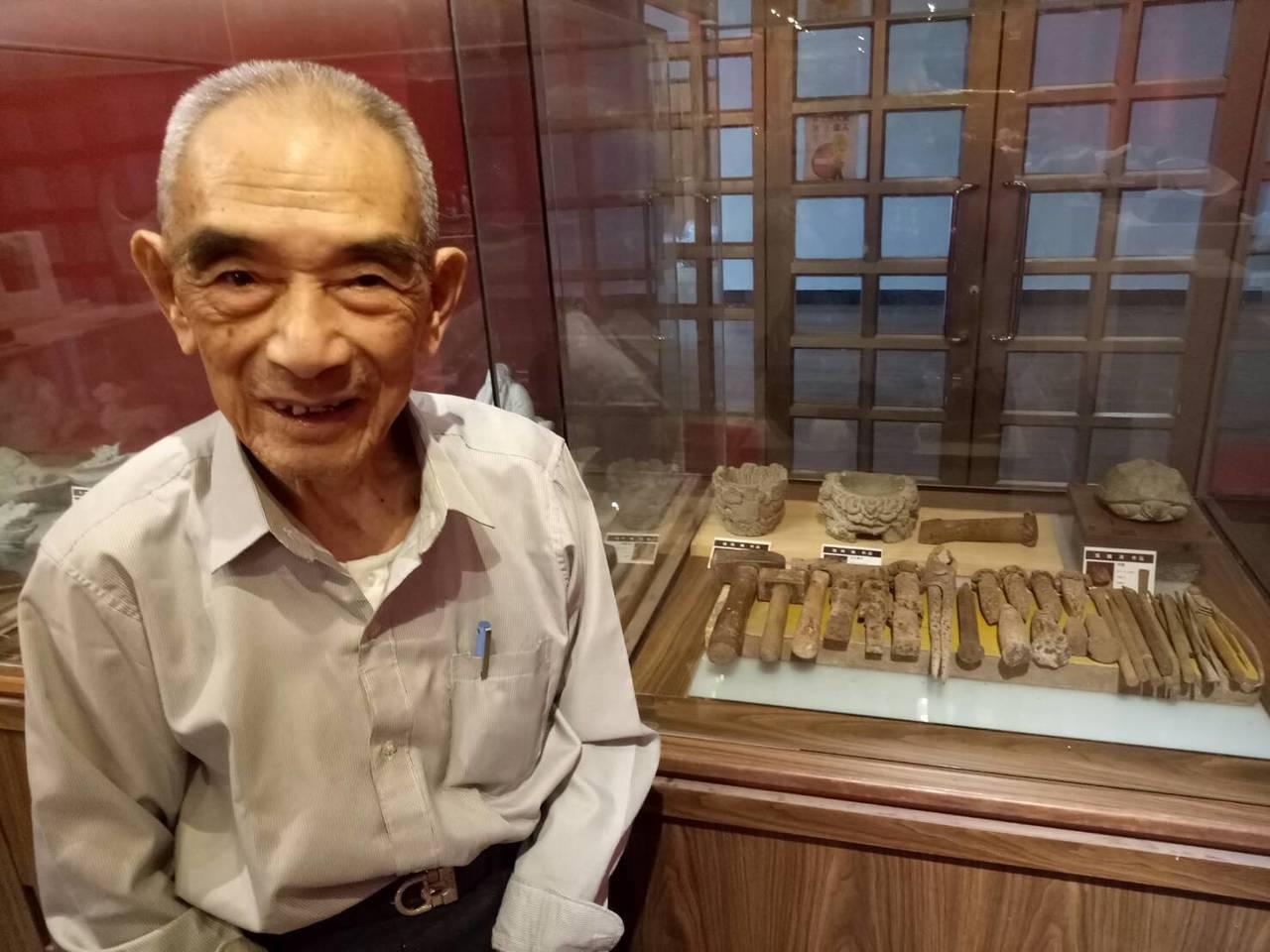 金門著名的石雕大師張再興日前辭世,金門各界都相當惋惜。圖/金門縣文化局提供