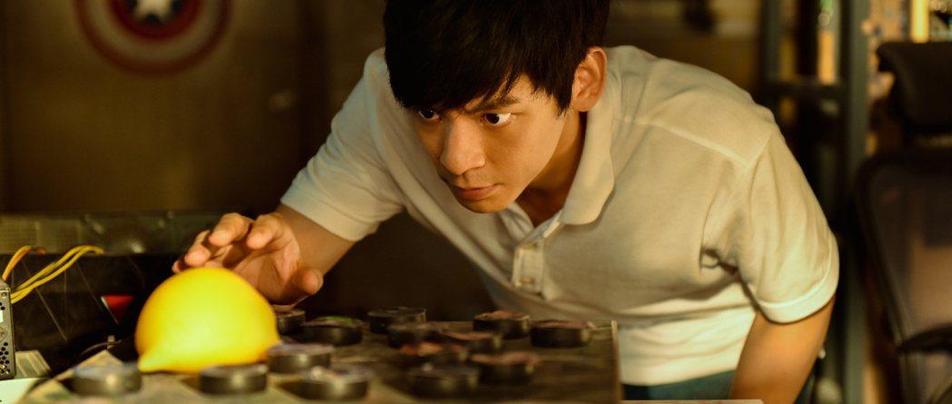 林柏宏演出新戲「蛋黃人」,實現超級英雄夢。圖/周子娛樂提供