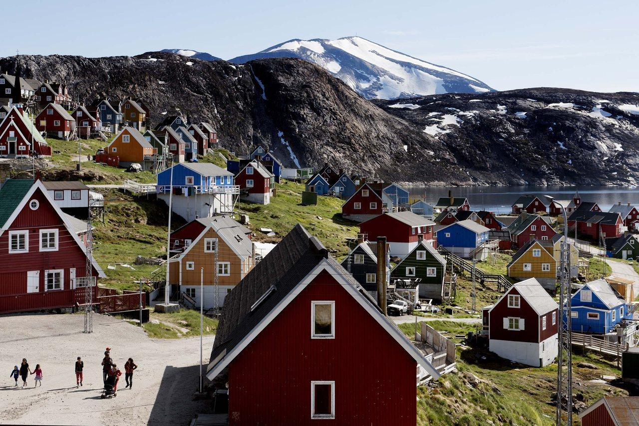 格陵蘭政府表示,這個島是非賣品,不會出售,圖為格陵蘭島西部的烏佩納維克鎮。(美聯...
