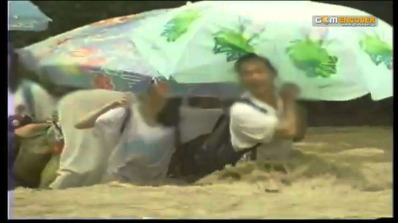 「玄倉川水難事故」中的男子受困時不忘斥責警方救援太慢。(取自網路)
