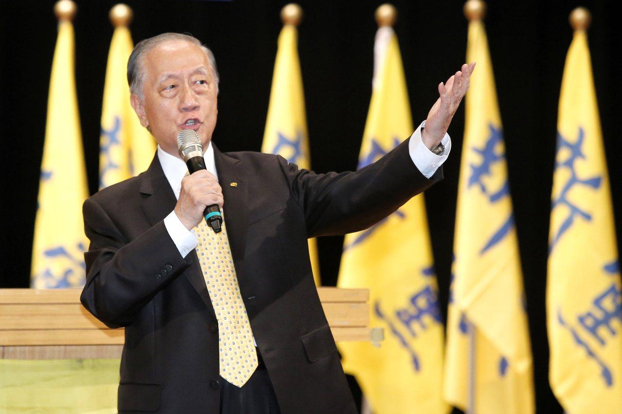 新黨今晚舉行創黨26周年黨慶大會,會中宣布新黨版的「一國兩制台灣方案」。黨主席郁...