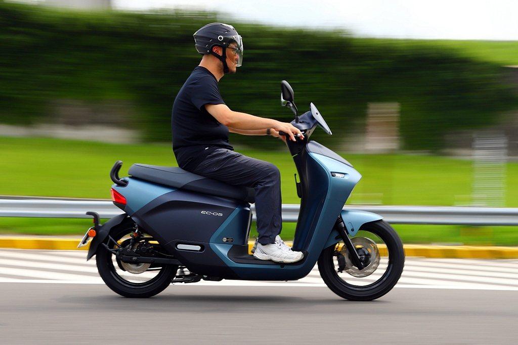 騎士乘坐三角姿勢的重要性,在短途騎乘時或許不明顯,但只要路途一遠,逐步累積的疲憊...