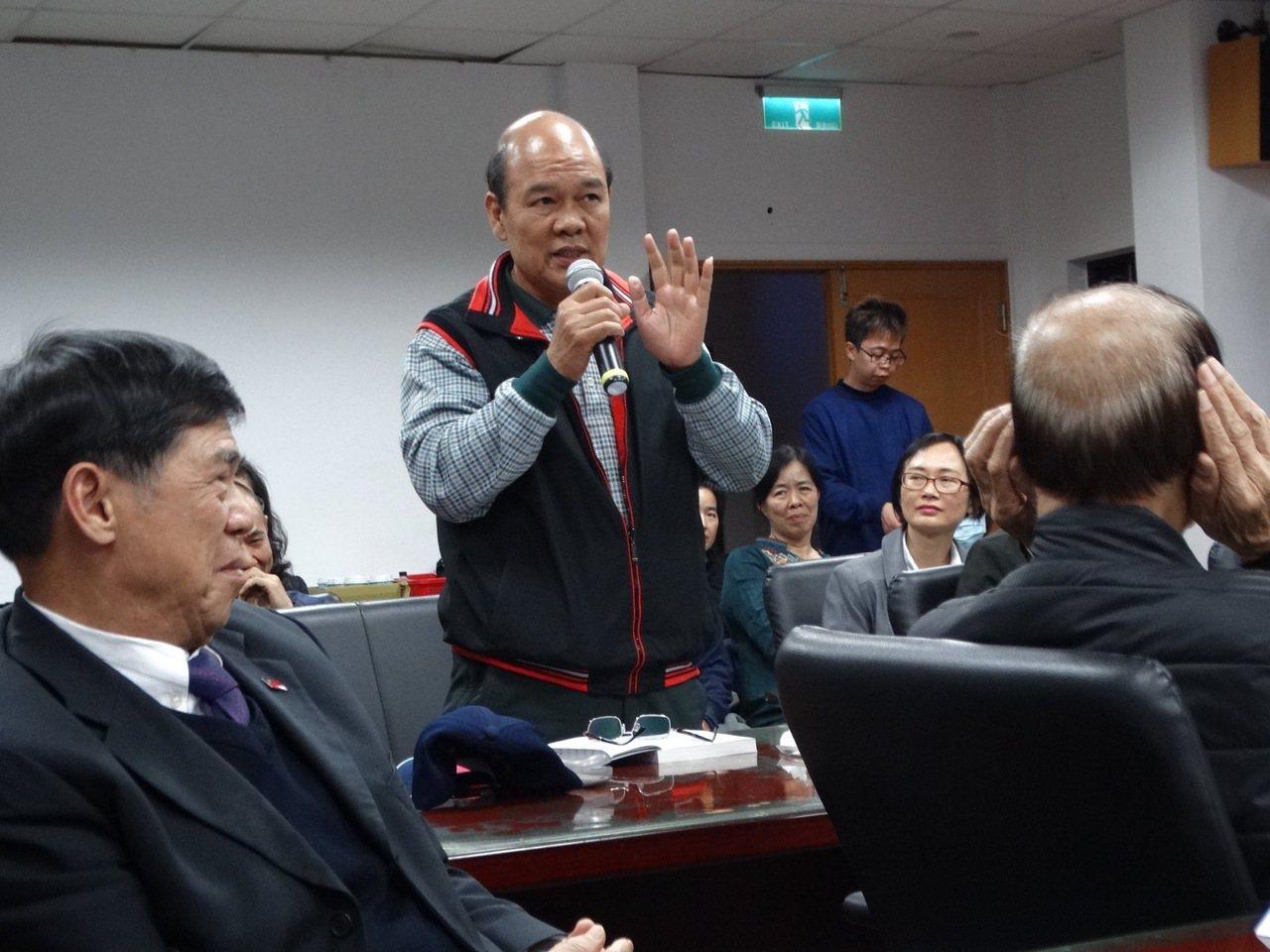 前立委陳清寶曾是昔日的「金門戰將」,以敢言聞名,現在的他面對許多重要議題仍會直言...