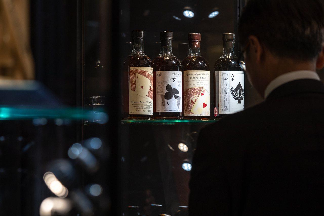 ※ 提醒您:禁止酒駕 飲酒過量有礙健康。羽生伊知郎全副撲克牌系列威士忌全球現存不...