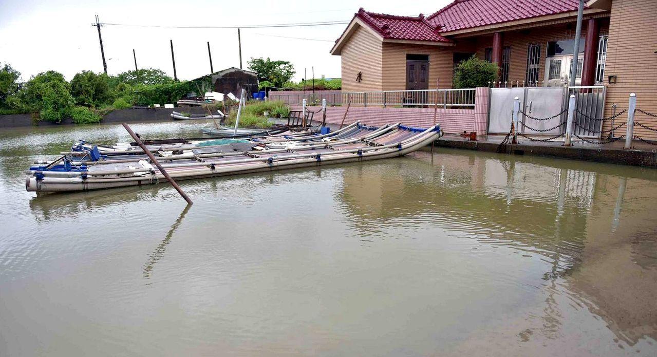 高市路竹頂寮地區地勢低,易受潮汐影響,飽受海山倒灌之苦。圖/高雄市政府提供