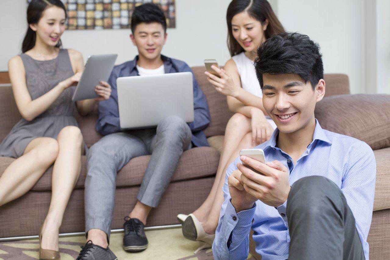 年輕人聰明使用「2招資產防守術」,資產配置不求人。圖/全球人壽提供