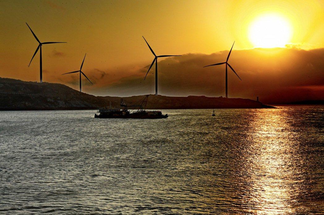 大陸第一個海上風電競價項目,投標廠商每度電最低報價不到新台幣3元。圖為福建莆田南...