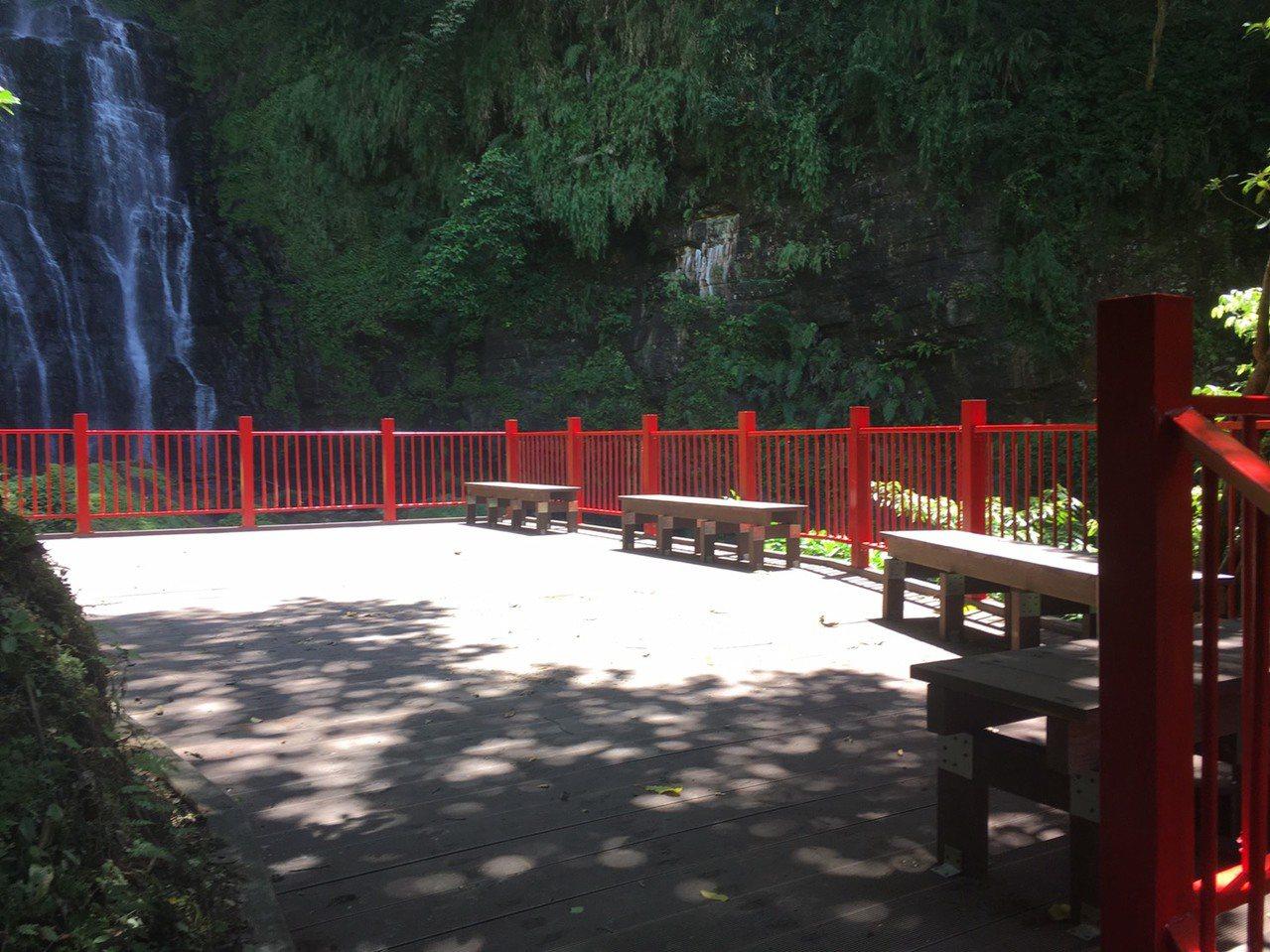 因步道落石封4年,礁溪五峰旗風景區最上層瀑布區,下月1日重新開放。圖/宜蘭縣政府...