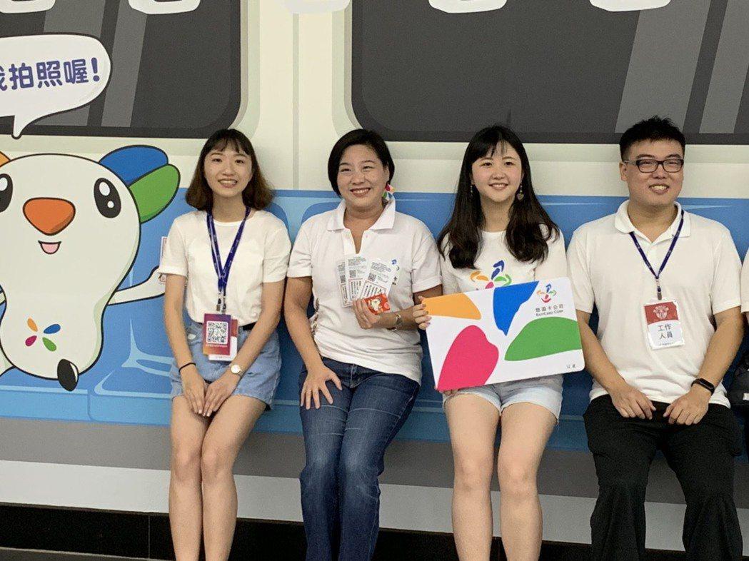 悠遊卡吉祥物BeBe還將在8月17日、8月18日化身財神,在北捷市政府站舉辦快閃...