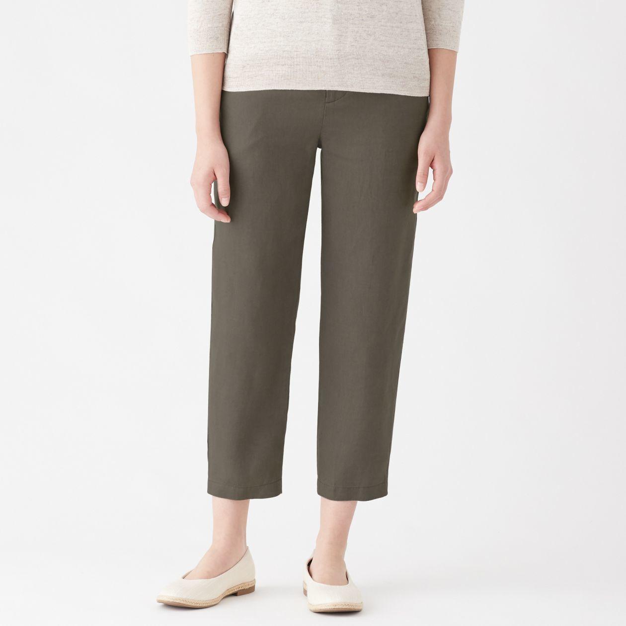 舒適透氣的法國亞麻褲是MUJI無印良品2019上半年服飾類的熱銷冠軍。圖/無印良...