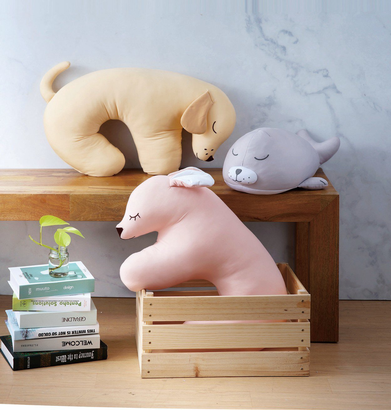 HOLA特力和樂涼感造型抱枕是今夏熱銷品項,平均單月可賣出近2,000件。圖/H...