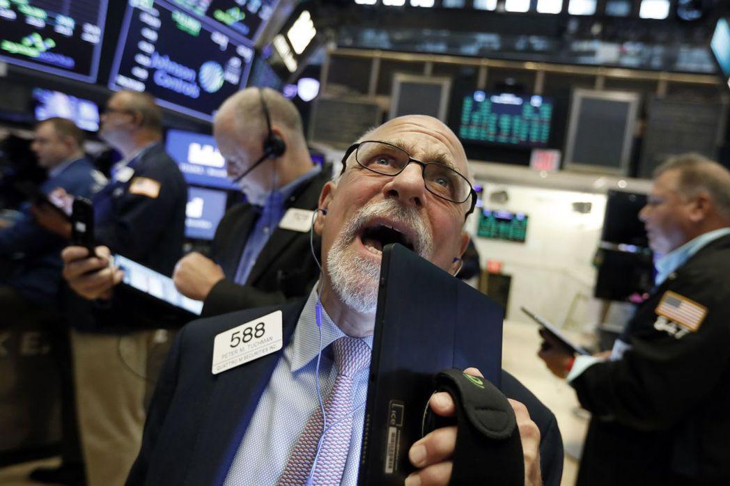 美股接下來怎麼走,多數分析師和交易員忐忑不安。 美聯社