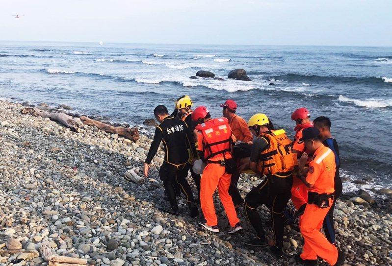 24歲台南市蘇姓志願役士兵今天下午在都蘭海岸浮潛戲水,意外溺斃。圖/海巡署東部分署提供