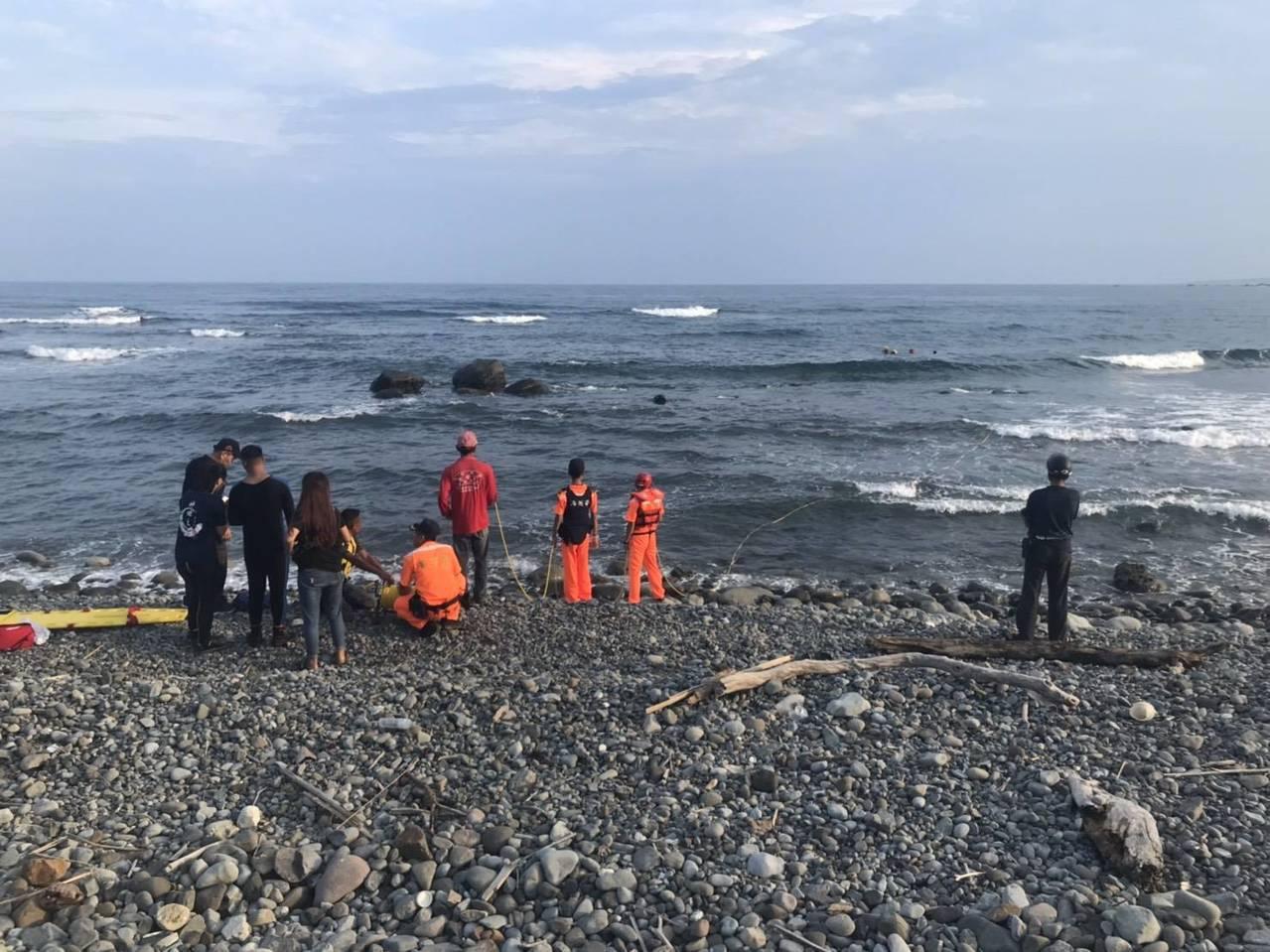 24歲台南市蘇姓志願役士兵今天下午在都蘭海岸浮潛戲水,意外溺斃。圖/海巡署東部分...