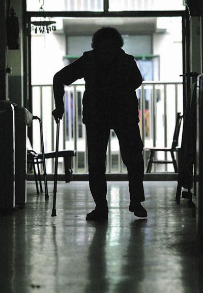 台灣進入高齡社會,衍伸出一連串社會問題。 圖/聯合報系資料照片