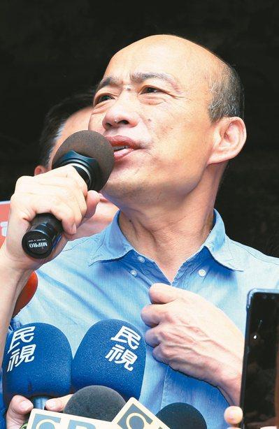 國民黨總統參選人韓國瑜上午前往竹北天后宮參拜。 記者陳正興/攝影