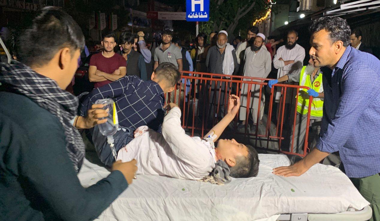 阿富汗首都喀布爾一家婚宴會場17日晚間發生炸彈爆炸事件,造成至少20人受傷送醫。...