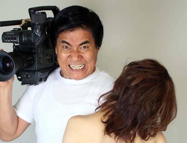 村西導演:什麼日本法規?哼!勇者喜歡AV有什麼錯!(誤)。