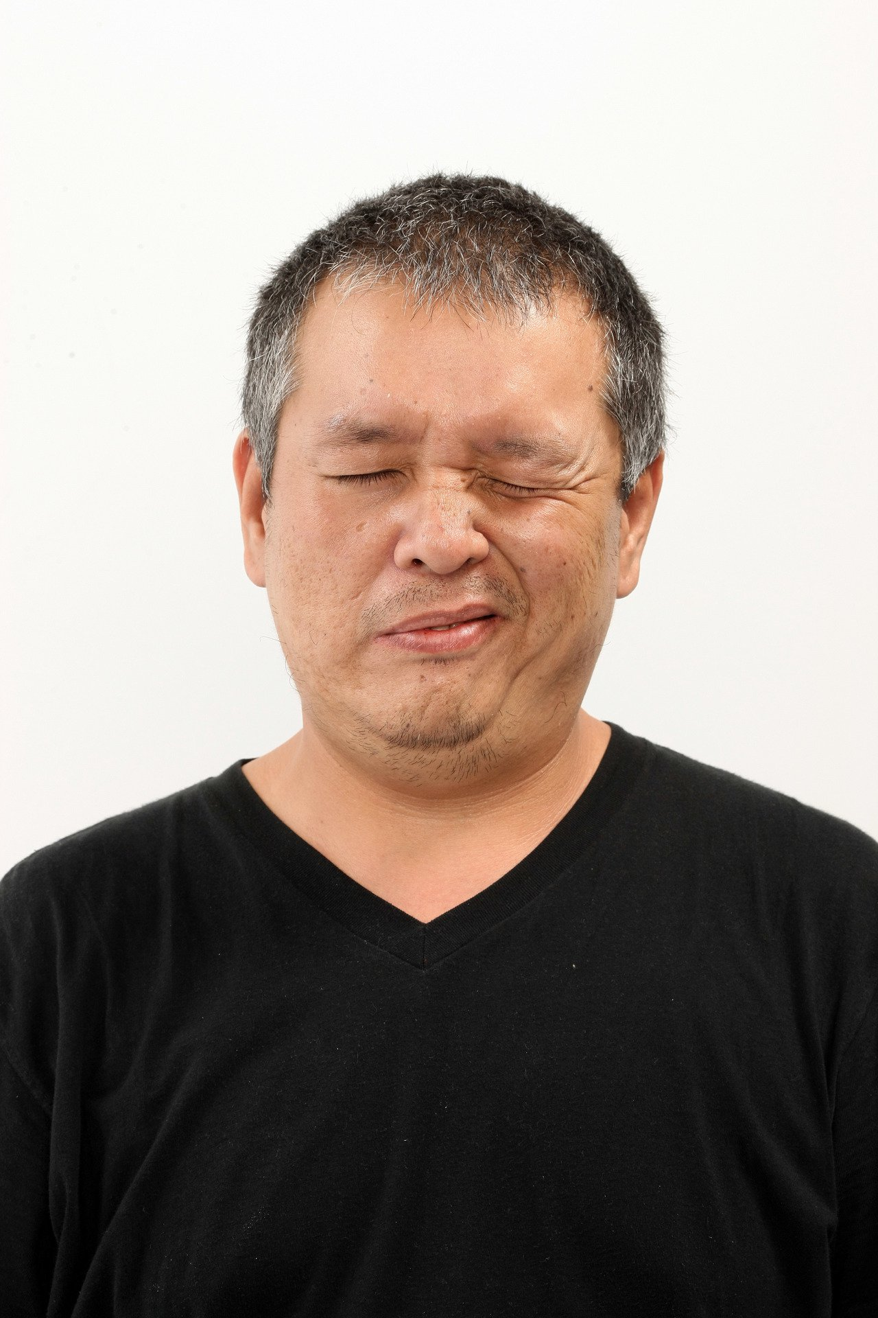 夏天天氣熱,有些民眾牙齦、耳下接連脖子處會出現紅腫、膿包而疼痛,常誤以為是火氣大...