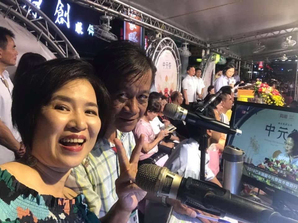 知名電視、電台主持人楊月娥在臉書訴說委曲,她說「我是基隆人,我愛基隆回家幫忙卻被...