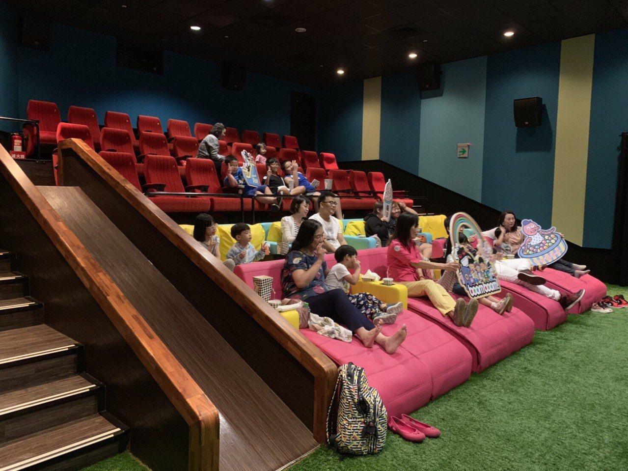 首家結合VIP全沙發椅與親子BOOMBOOM廳多元化的「in89豪華影城」,讓不...
