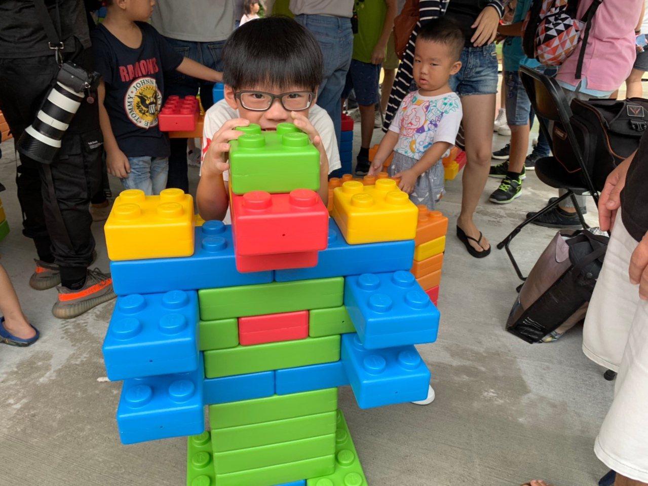 台中大安濱海樂園露營區,今天舉辦闖關活動。圖/台中市觀光旅遊局提供