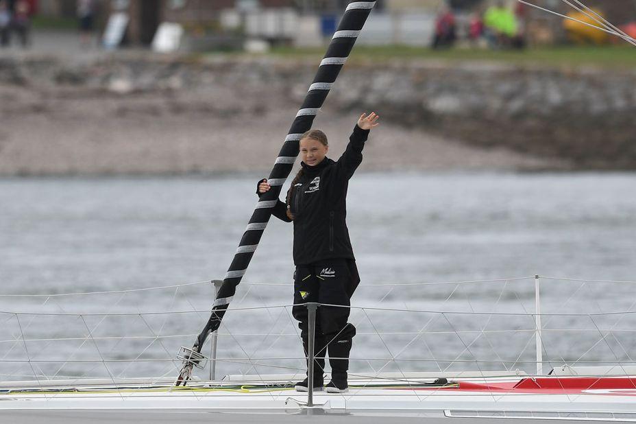 瑞典16歲環保鬥士桑柏格(Greta Thunberg),為了前往美國參加聯合國「氣候行動峰會」,搭乘帆船從英國出發,以行動表現她推廣氣候變遷議題的決心,向飛行碳足跡說再見。法新社