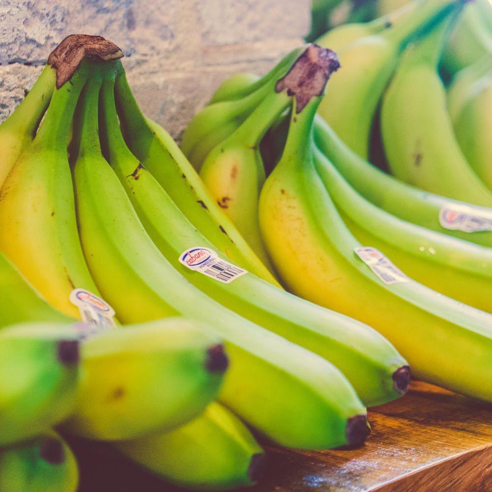 別吃沒有熟的香蕉,以免又要鬧肚子痛了。圖/摘自 pexels