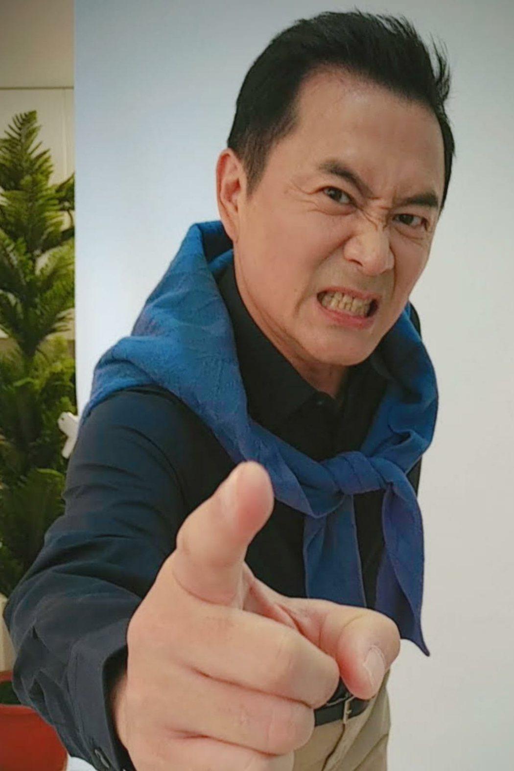 湯志偉在劇中展現中年男子魅力。圖/全民大劇團提供