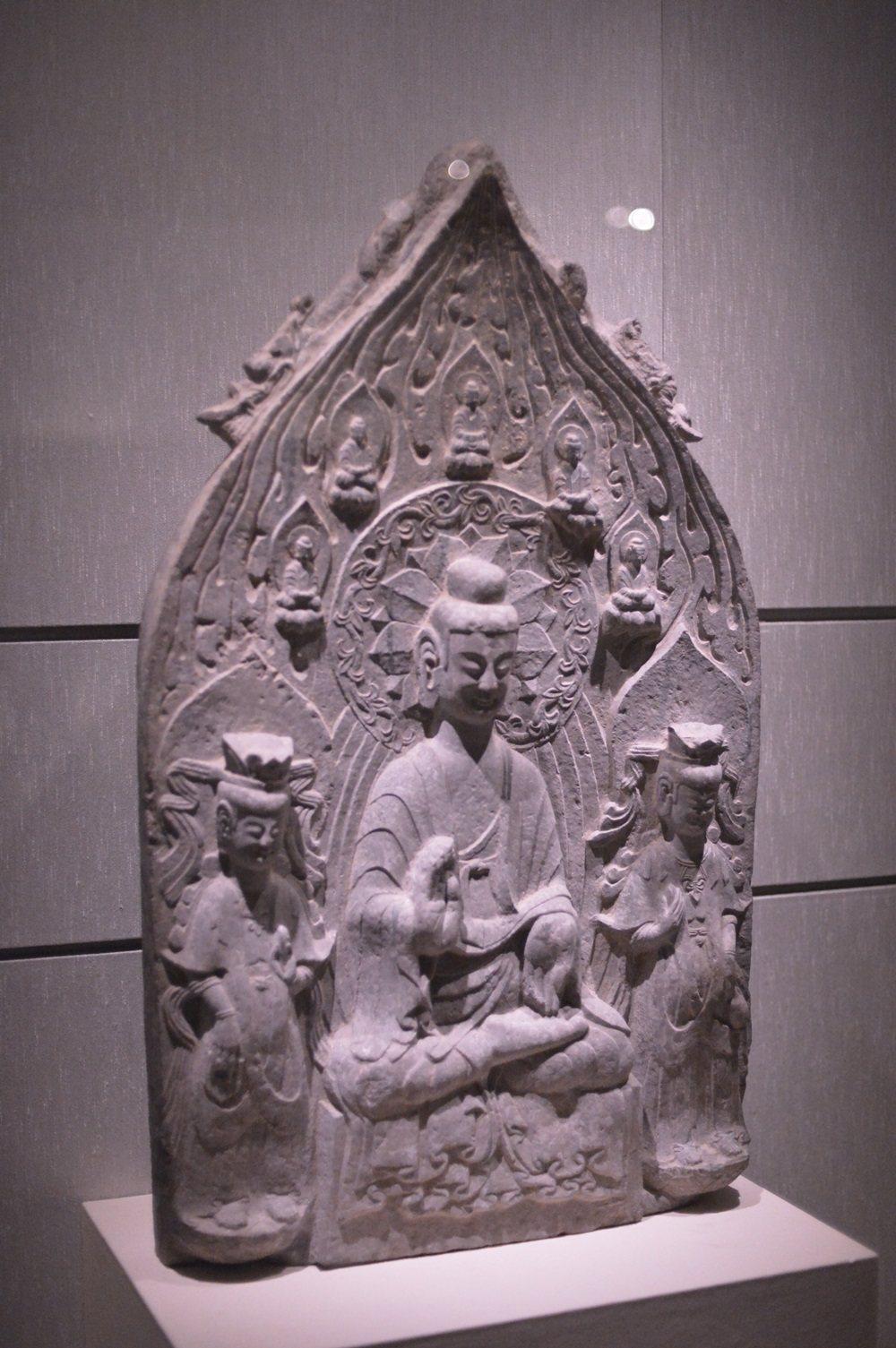 「河南佛教藝術展」展品之二,北魏 「趙安香造像」。圖/佛光山提供