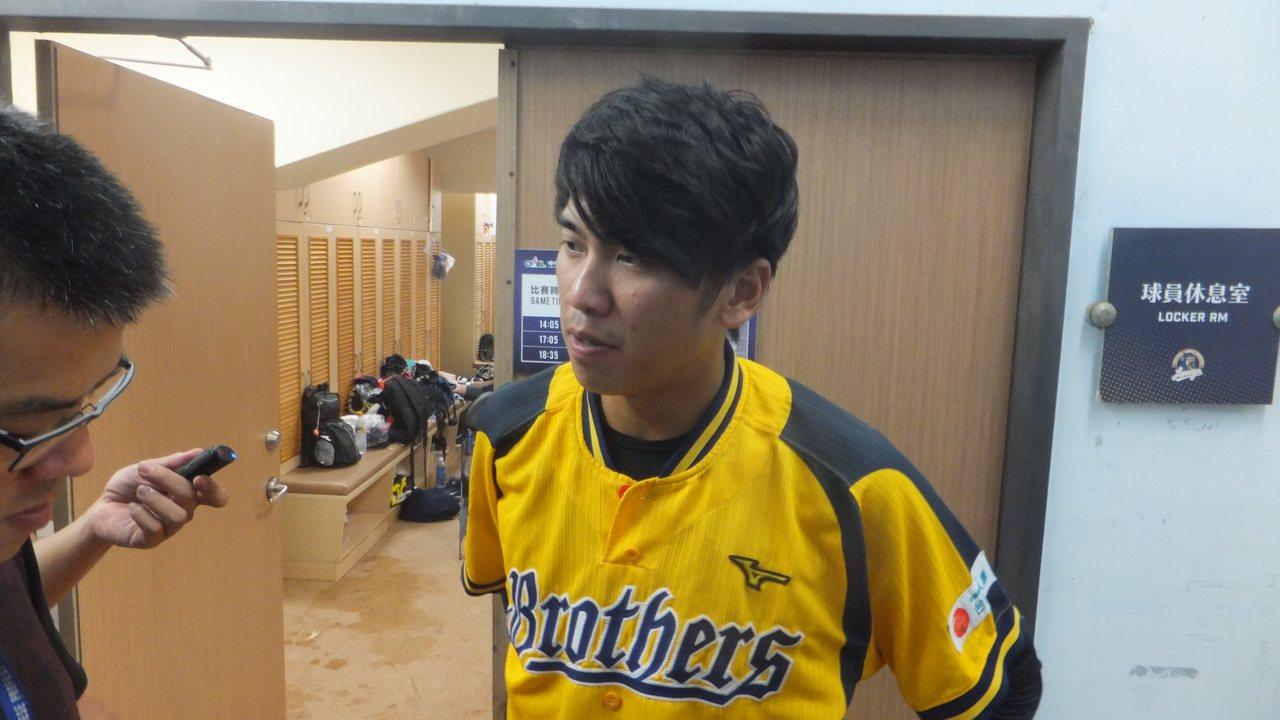 中信兄弟隊內野手王威晨連25場安打,寫下中職球員本季最佳紀錄。記者藍宗標/攝影