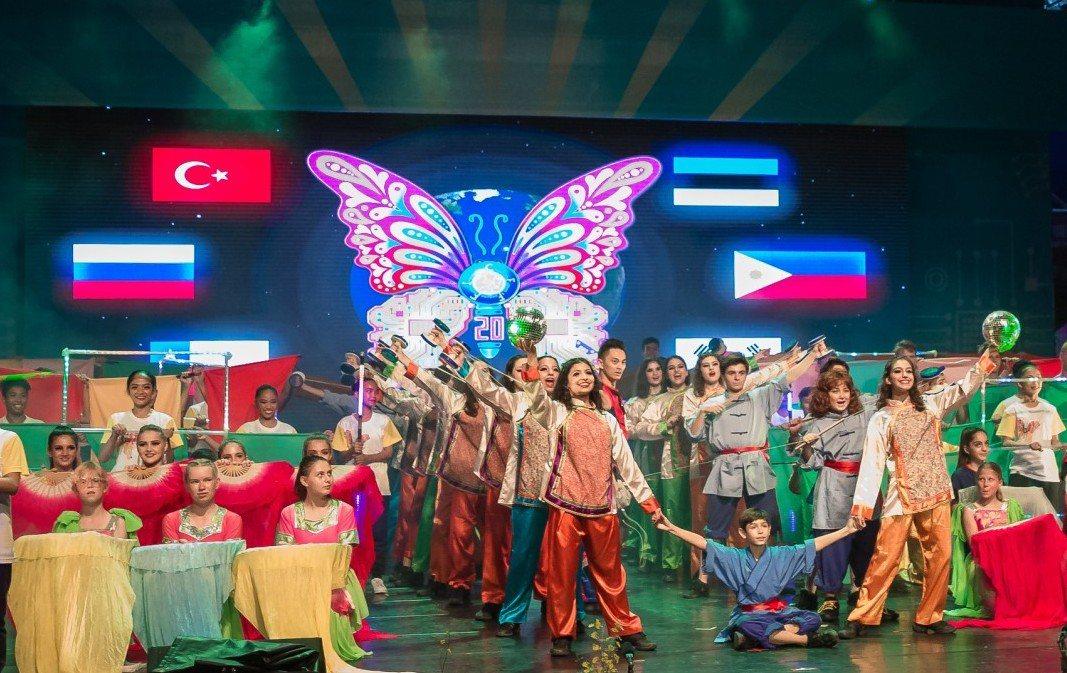 宜蘭國際童玩節遊客人次突破50萬大關 ,創下近5年來新高,象徵活動如「蝴蝶」般蛻...