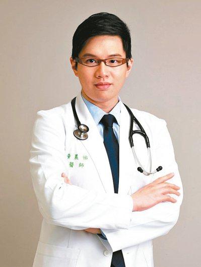 衛福部金門醫院心臟內科主治醫師黃晨祐提醒,當懷疑自己心肌梗塞時,應找個安全的地方...