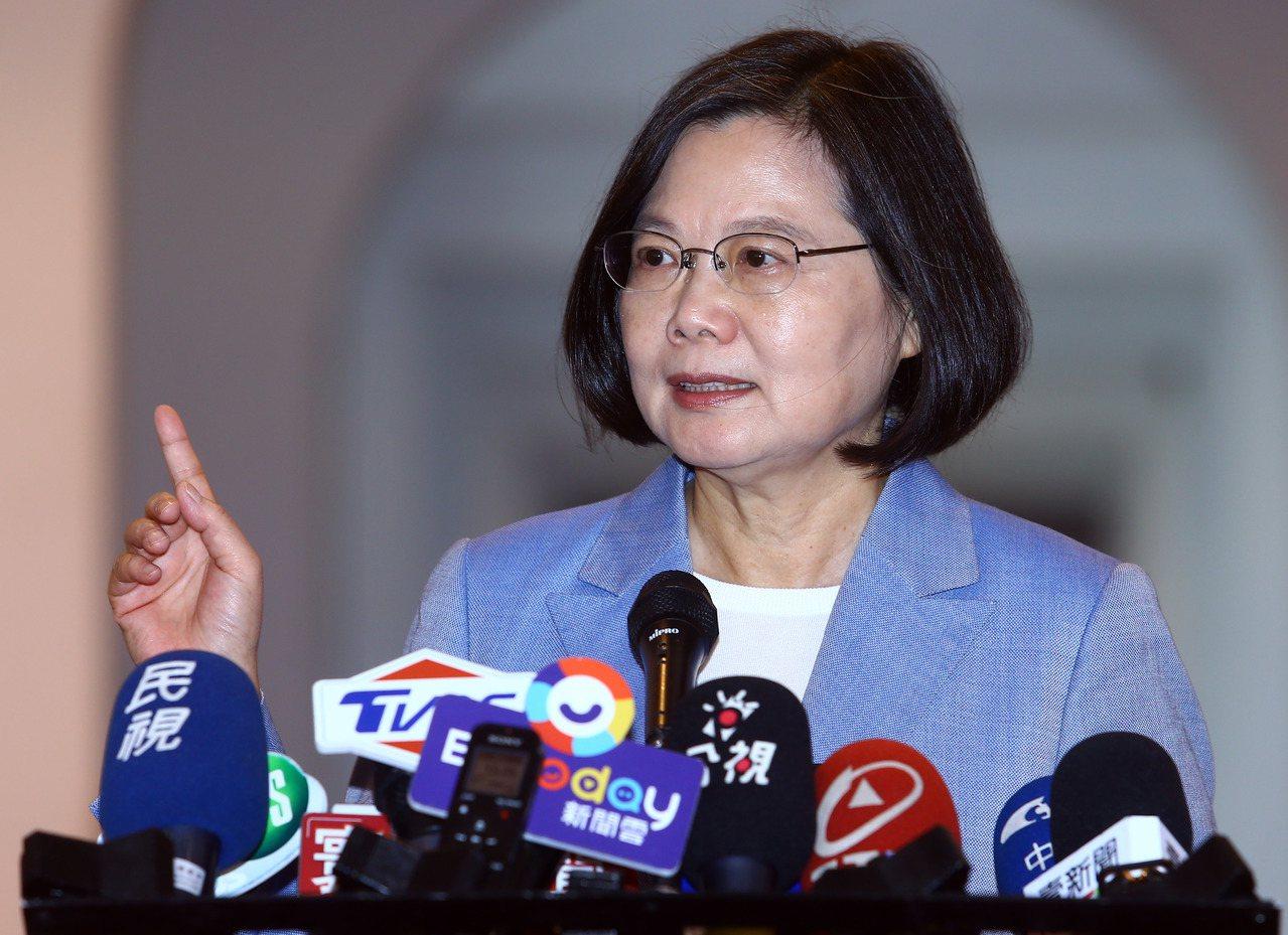 蔡英文總統日前說,台中市前市長林佳龍的政見「現在還有人在做嗎」、「你們應該對某個...