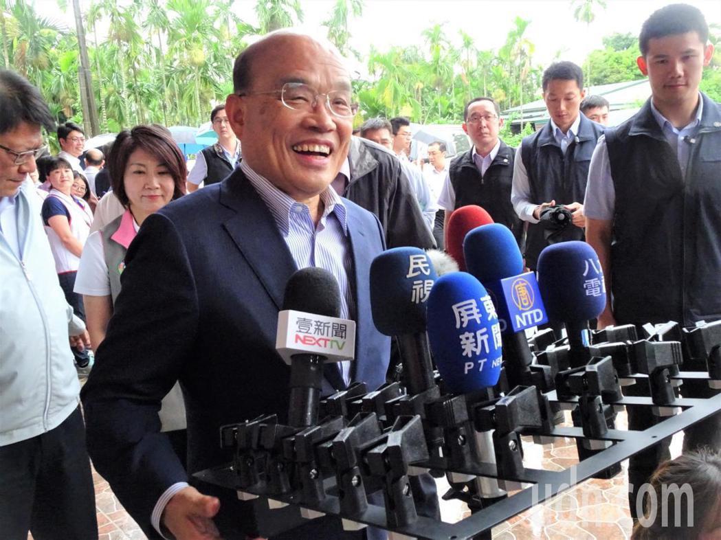 對李佳芬稱「批太多公文不正常」說法,行政院長蘇貞昌表示,首長要更以身作則。圖/聯...