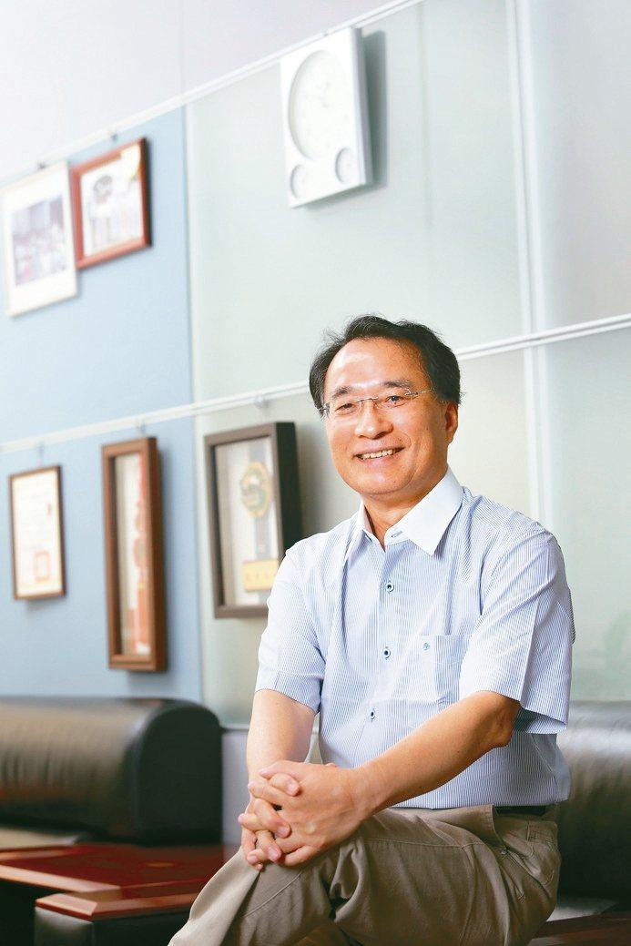 台灣鎖業暨五金發展協會理事長沈木林說,門鎖智慧化是發展趨勢。 一德金屬/提供