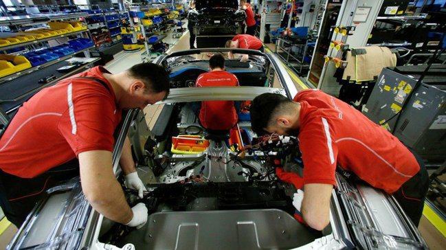 從主要經濟體的製造業活動等關鍵指標來看,世界經濟或已陷入衰退。路透