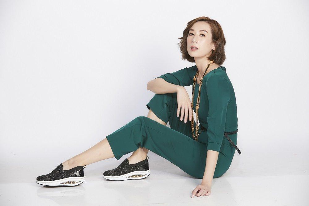 阿瘦皮鞋品牌此次進駐東森購物,主打氣墊健康休閒鞋。東森購物/提供