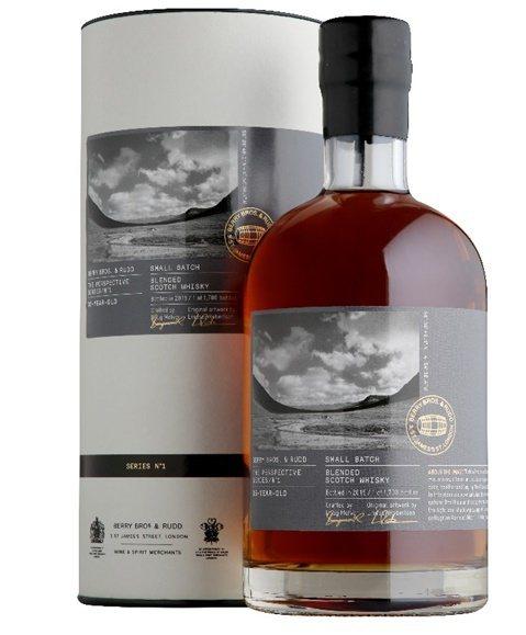蜂蜜及蜜餞香甜誘人風味伴隨著明顯橡木桶氣息的遠景系列35年蘇格蘭威士忌。嘉馥貿易...