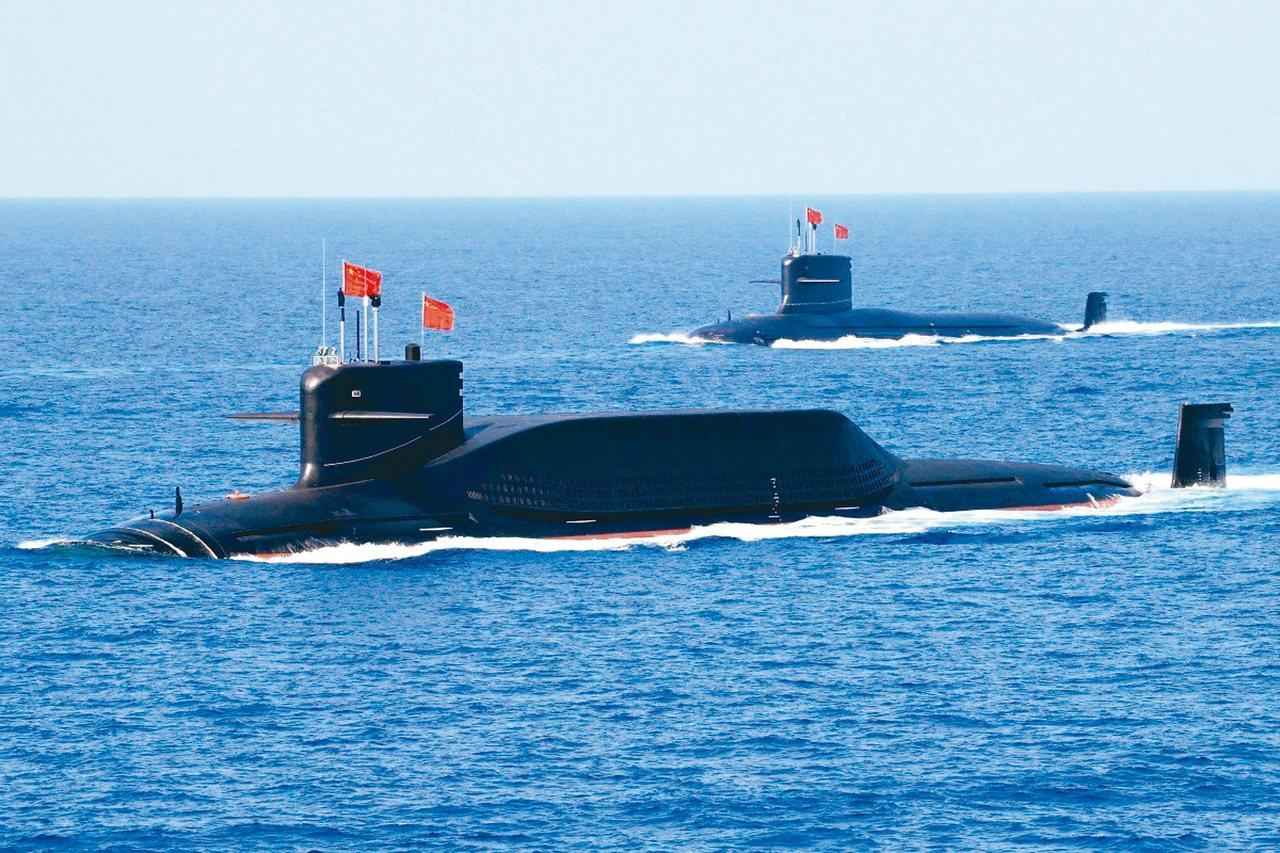 中國解放軍的09IV型核潛艦。 路透