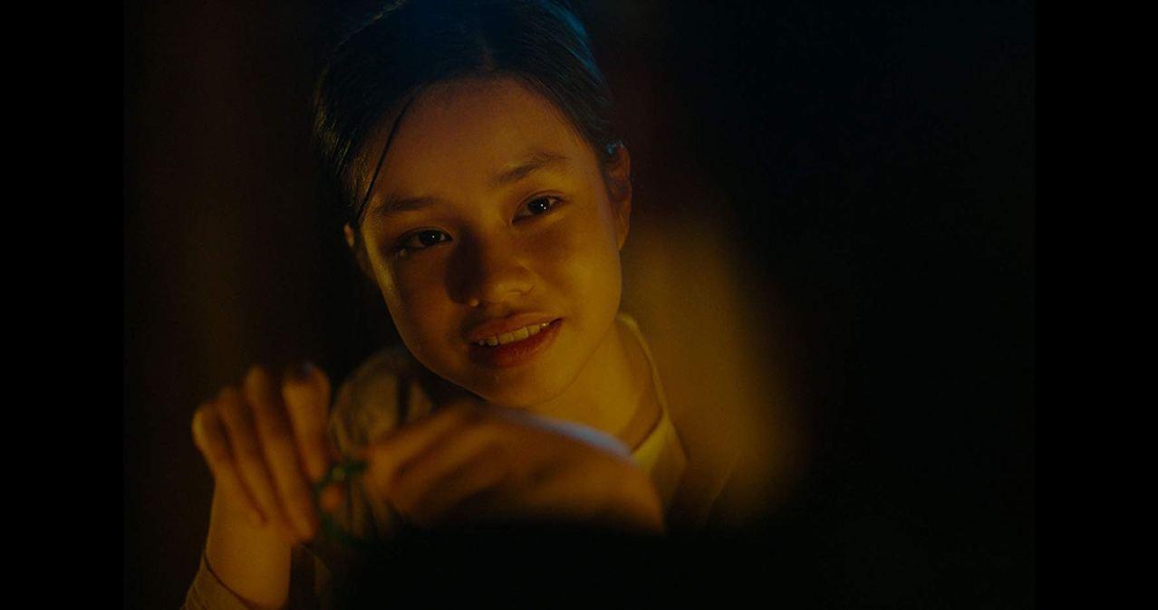 阮芳茶媚拍攝時年僅12歲,一幕又一幕情慾畫面,令部分觀眾感到不安。電影劇照