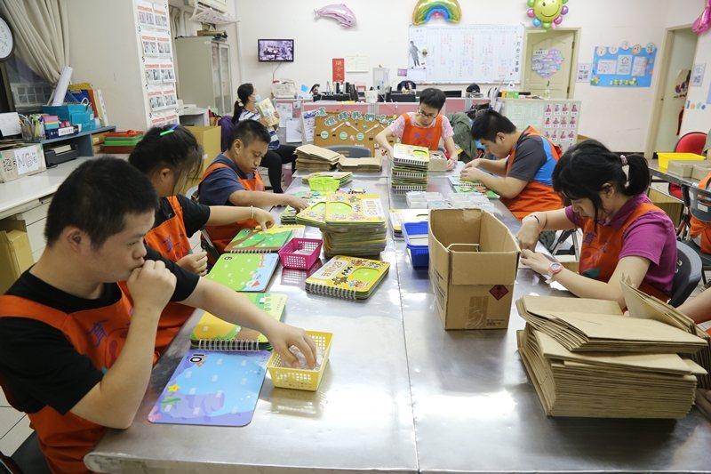 小作所主要服務對象是15歲以上,具有一定程度的生活能力及工作能力的身心障礙者。 圖/聯合報系資料照