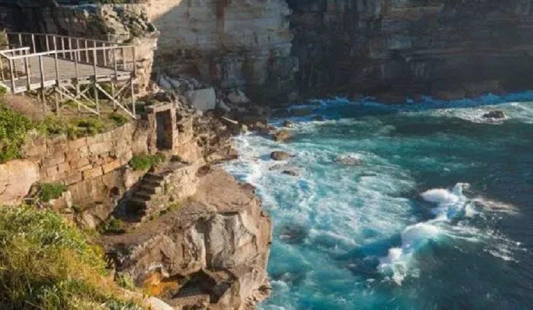 日前一名中國籍女遊客,為了與澳洲超美鑽石灣自拍,竟不顧生命危險穿越禁區,下一秒不...