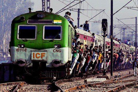 印度經濟高速起飛,但能夠趕超另一「強國」中國嗎? 圖/法新社