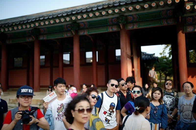 南韓也曾在2017年因為部署薩德飛彈,導致中共大幅限縮遊客訪韓。 圖/路透社