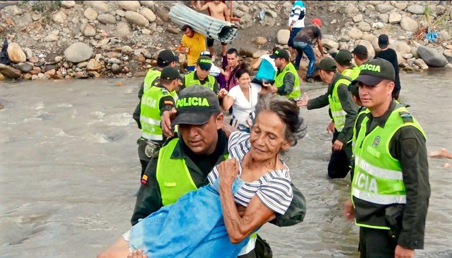 對委內瑞拉移民的人道援助,正考驗著哥倫比亞國民的包容力。(photo by Wi...