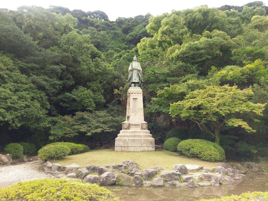 「島津久光」銅像